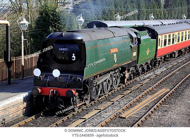 West Country Class loco 'Wadebridge' draws into Bridgnorth station, Severn Valley Railway, Shropshire, England, Europe
