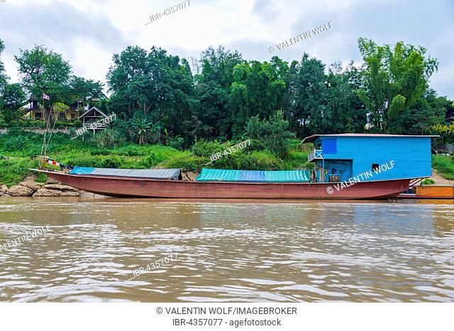 Houseboat on the Mekong, Luang Prabang Province, Louangphabang Province, Laos