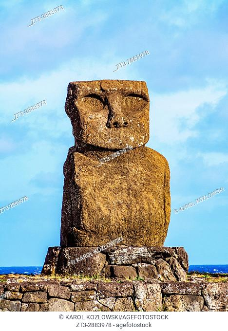 Moai in Ahu Vai Uri, Tahai Archaeological Complex, Rapa Nui National Park, Easter Island, Chile