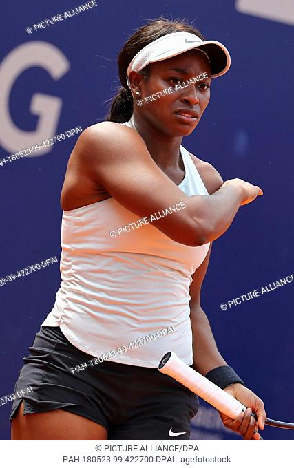 23 May 2018, Germany, Nuremberg: Tennis, WTA-Tour, women's singles. Sloane Stephens from the US hitting a forehand shot. Photo: Daniel Karmann/dpa