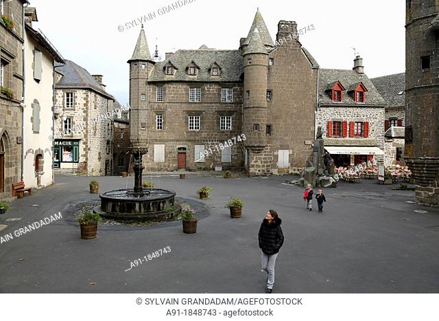 France, Auvergne, Cantal 15, natural regional park of the Auvergne volcanos, historic village of Salers, member of the association The 157 most beautiful...