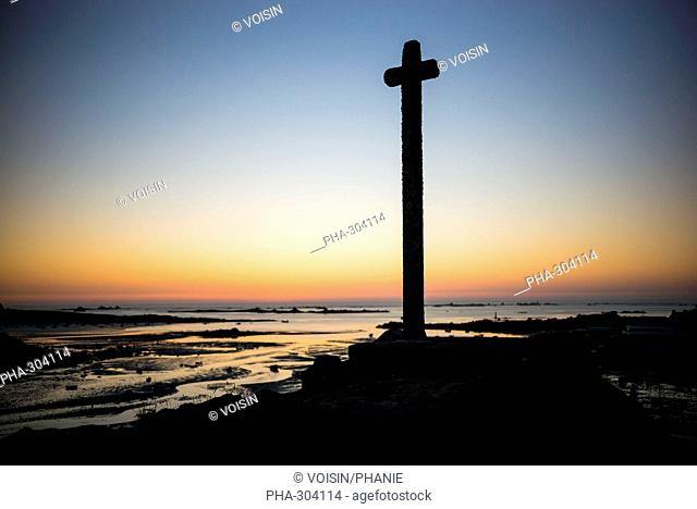 Cross of Guiligui , Portsall (Brittany, France)