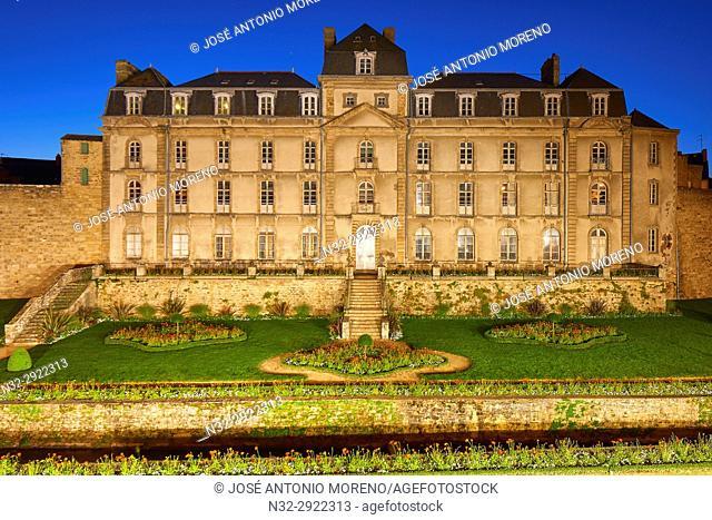 Vannes, Hermine Castle, Dusk, Morbihan, Bretagne, Brittany, France, Europe