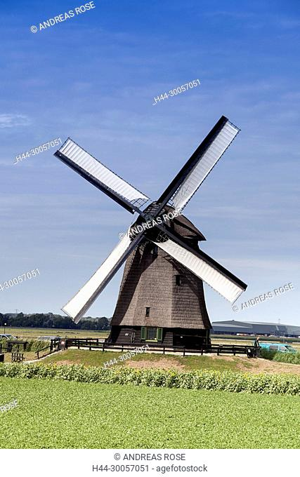 The fully operational windmill in the windmill museum of Schermerhorn, Holland, Netherlands