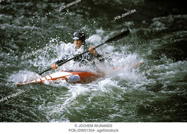 canoeing, bask country, rio Bidasoa, training
