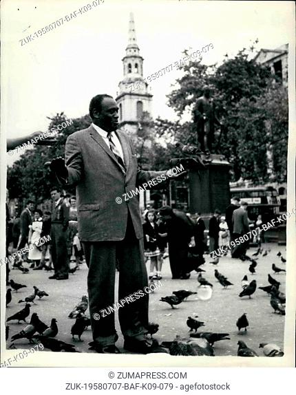 Jul. 07, 1958 - Paul Robeson goes sightseeing in London: Paul Robeson, the famous coloured singer, who had arrived in London to appear on television