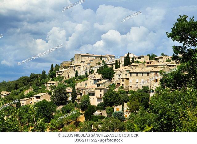 Overview of Lurs village, Forcalquier district, in Alpes-de-Haute-Provence department, Provence-Alpes-Côte d'Azur region, France, Europe