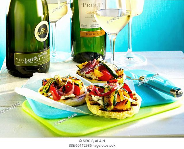 Mini Pitas with grilled vegetables