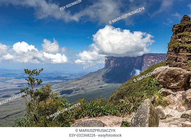 View from the Roraima tepui on Kukenan tepui at the mist