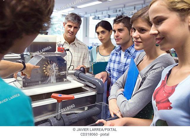 Polytechnic School, University of the Basque Country, Donostia, Gipuzkoa, Basque Country. Students, Turbina, Hydraulic machines laboratory