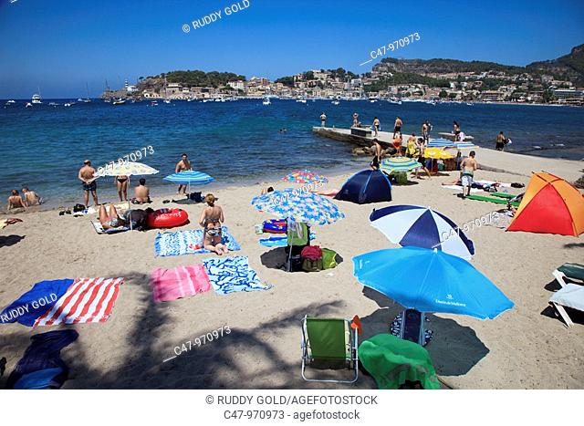 Spain, Mallorca, Balearic Island, Port de Soller, Platja Den Repic  The village of Puerto de Soller is the only resort along the west coast of Mallorca