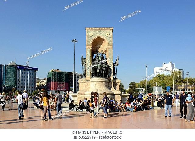 Taksim Square or Taksim Meydan?, Mustafa Kemal Atatuerk with comrades, Monument of the Republic by Pietro Canonica