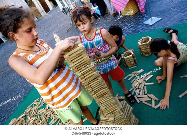Girls in Campo Dei Fiori, Rome. Lazio, Italy