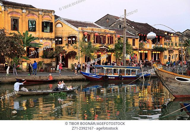 Vietnam, Hoi An, Thu Bon River, boats, people,