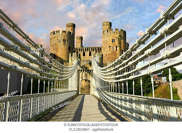 The medieval Conwy Castle ( English Conway Castle) built 1283 and 1289 for Edward 1st, one of the finest medieval examples of military architecture in Europe