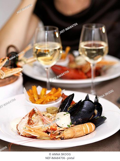 Prepared lobster, crayfish and mussel in plate