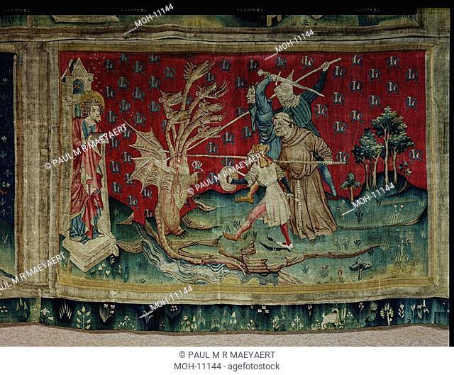 La Tenture de l'Apocalypse d'Angers, Le Dragon combat les serviteurs de Dieu 1,54 x 2,36m, der Drachen kämpft gegen die Diener Gottes