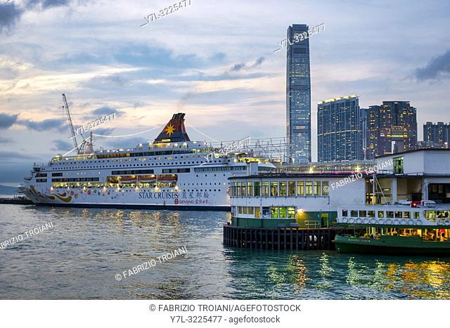 Cruise ship Star Pisces in Victoria Harbour, Hong Kong