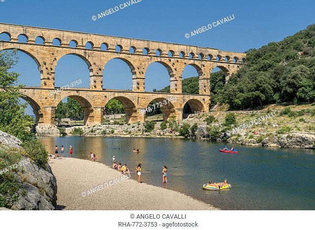 The Pont du Gard aqueduct, UNESCO World Heritage Site, Gard, Occitanie, France, Europe