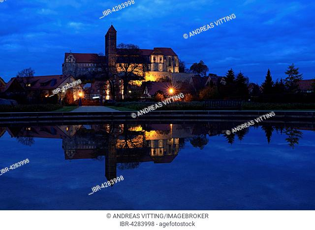 Castle hill with collegiate church of St. Servatius, reflection, evening, UNESCO, Quedlinburg, Saxony-Anhalt, Germany