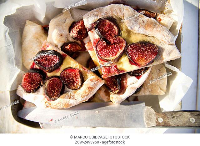 Dolce typical of the Tuscan region, focaccia with figs