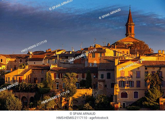 France, Tarn, Albi, listed as World Heritage by UNESCO, horizontal view of the right bank of the old city at sunrise