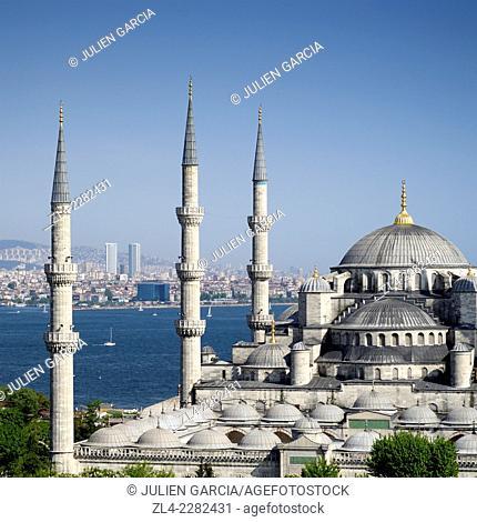 Blue Mosque (Sultanahmet Camii) and the Bosphorus. Turkey, Istanbul, Sultanahmet district