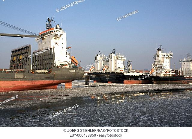 Ship waiting of cargo, Hamburg, Germany