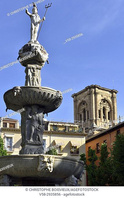 Spain, Andalusia, Granada, World Heritage Site, Plaza Bib-Rambla and cathedral