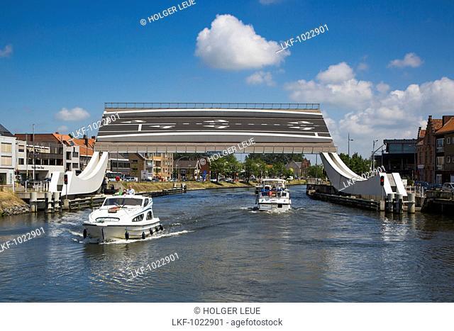 Le Boat Elegance houseboat and Scheepsdalebrug drawbridge on the Bruges - Ostend canal, near Bruges Brugge, Flemish Region, Belgium