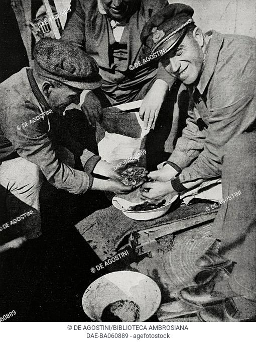 Italian divers aboard Artiglio retrieve the gold bars from the Egypt, off Brest, France, photo by Timeo, from L'illustrazione Italiana, year LIX, n 27, July 3