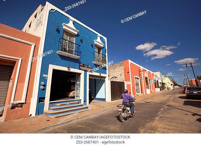 Street scene from the town center, Valladolid, Yucatan Province, Mexico, Central America