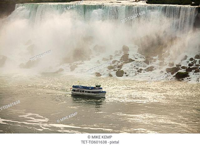 USA, New York, Niagara Falls, Made of the Mist boat at American Falls