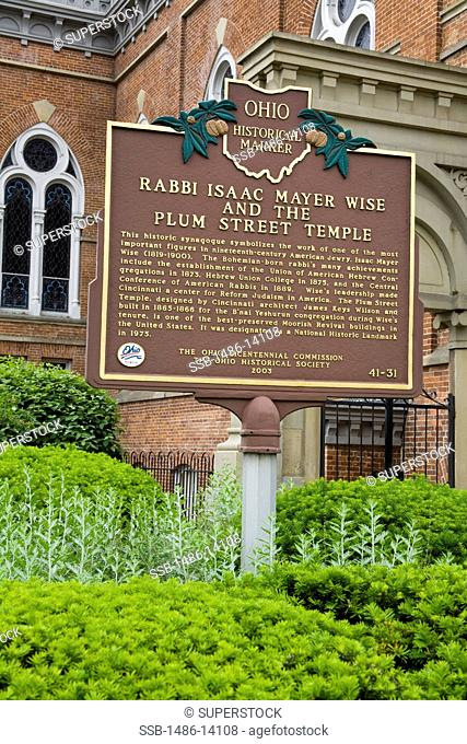 USA, Ohio, Cincinnati, Plum Street Temple, Ohio Historical Marker sign