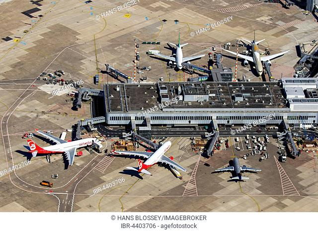 Aerial view, Düsseldorf Airport, EDDL, ground handling, passenger boarding bridges, Düsseldorf, Rhineland, North Rhine-Westphalia, Germany