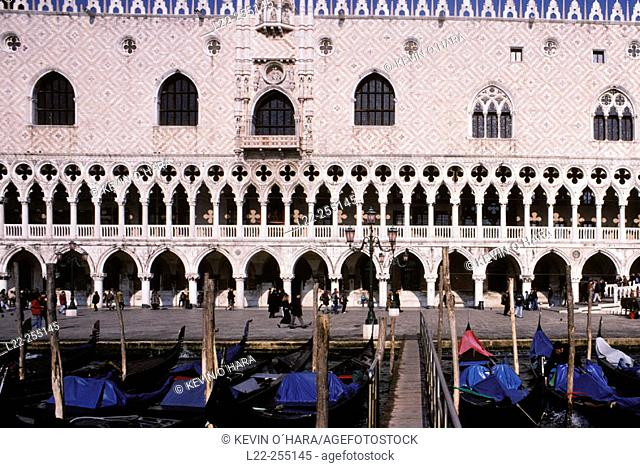 The Doges Palace. Piazzeta San Marco. Venice. Veneto. Italy