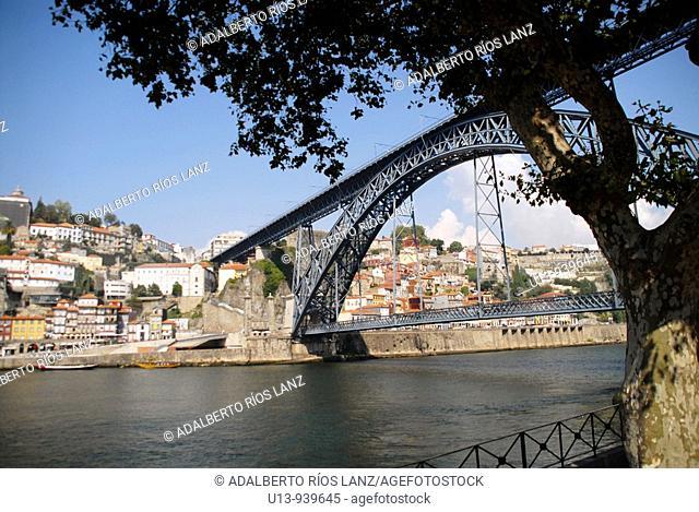 Dom Luis Bridge over Douro River, Porto, Portugal