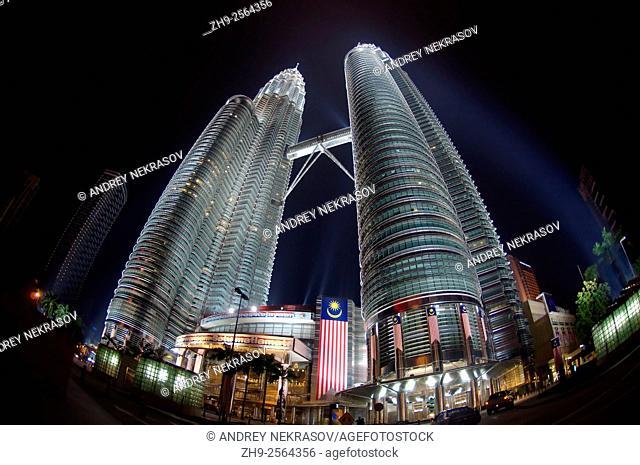 Petronas Twin Towers, nighttime, Kuala Lumpur, Malaysia