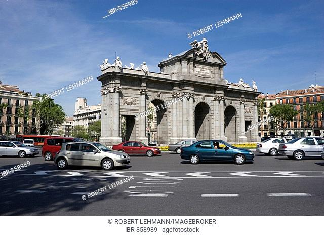 The Puerta de la Alcalá on Plaza de la Independencia in Madrid, Spain, Europe