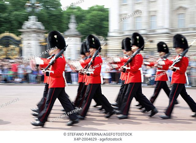Changing of the Guards, Buckingham Palace, London, UK