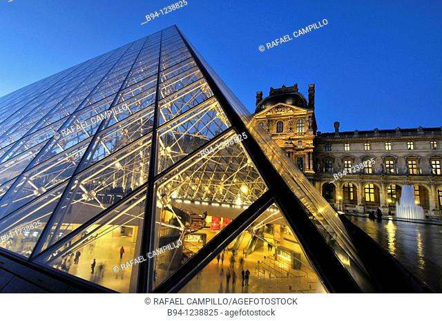 Glass pyramide, by Ieo Ming Pei, at Napoléon court. Palais du Louvre. Musée du Louvre. Paris, France
