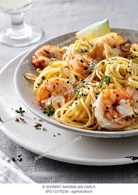 Linguine with prawns, chilli, garlic and thyme