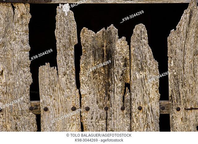 puerta de establo comida por termitas, Son Negre, Felanitx, Mallorca, balearic islands, Spain