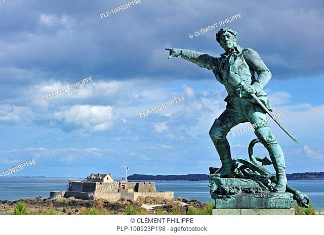 Statue of the French corsair Robert Surcouf by Alfred Caravaniez and the Fort National at Saint-Malo, Brittany, France