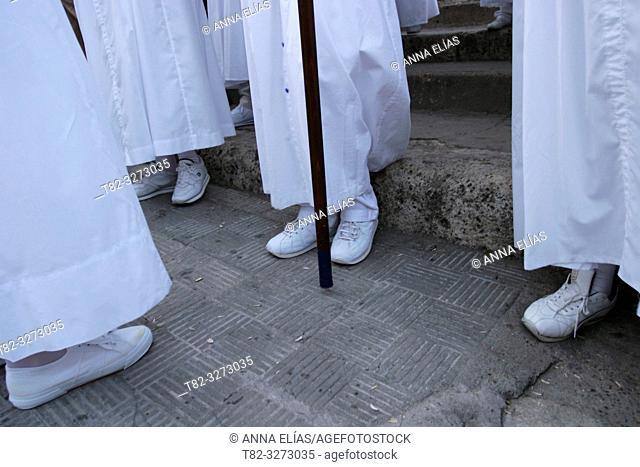 Nazarenos (penitents), Holy Week, Arcos de la Frontera, Cadiz province, Andalusia, Spain