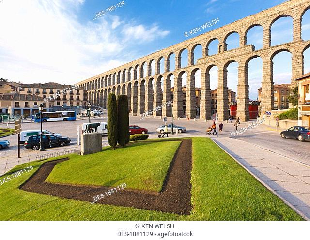 the roman aqueduct unesco world heritage site, segovia, segovia province, spain