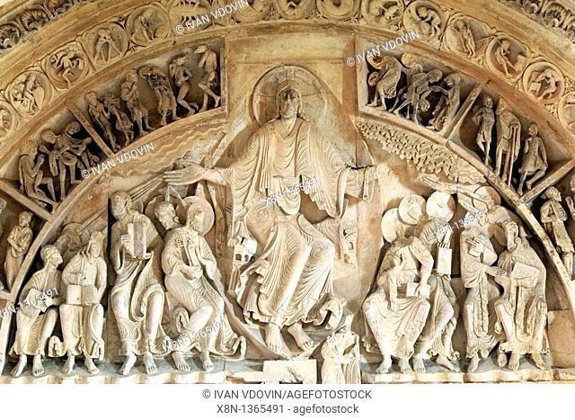 Portal in Church Sainte Marie Madeleine Basilica of St  Magdalene, Vezelay, Yonne department, Burgundy, France