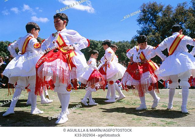 Dancers. Mentrida. Toledo province. Castilla-La Mancha. Spain