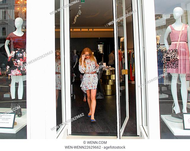 new concept 477f0 c6629 Shop pinko knightsbridge Stock Photos and Images   age fotostock