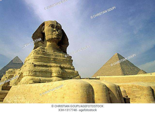 Great Sphinx and Pyramid of Giza, Cairo, Egypt, Africa